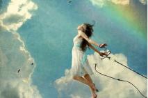 עולה השמיימה וחוזרת