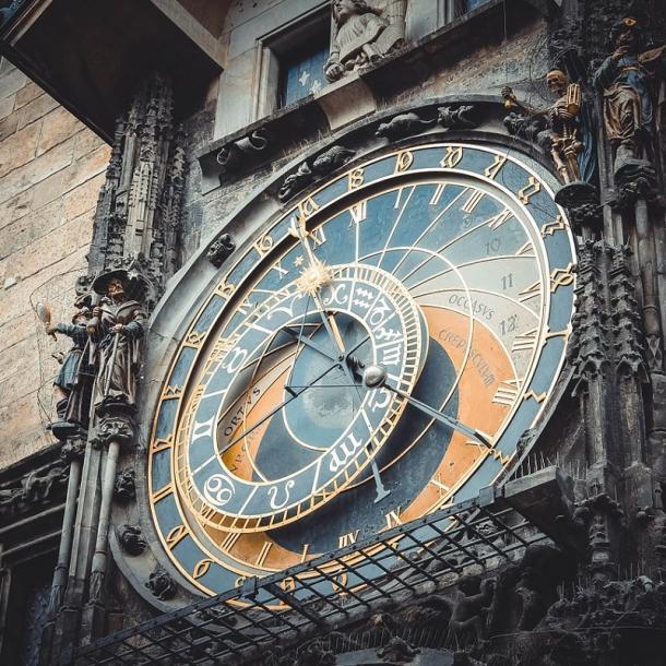 השעון האסטרונומי בפראג   האורלוגין של פראג   מגדל השעון פראג