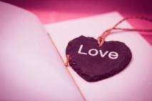 למה אהבה?