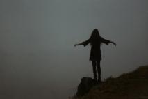 היא ממשיכה הלאה - פרק 1: מציאות/גן עדן/גיהנום