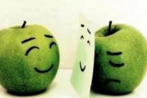 חיוך מזויף