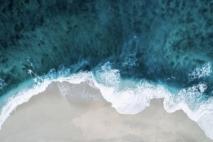 הדרך שבה הים נושק לחול