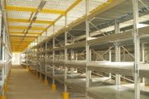 מדפים למחסן: מדפי מתכת למחסן