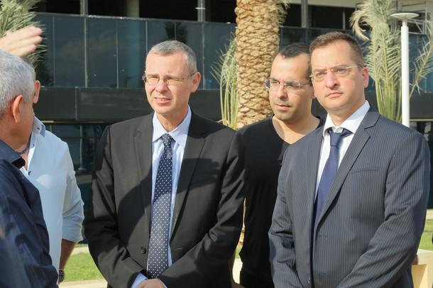 רונן מרדכי גרין עם שר התיירות (משמאל) ועורך דין חגי אדורם (מימין) (קרדיט-צילום אחר)