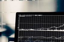 האם חשוב להשקיע בתוכנת מסחר לבורסה?