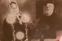 מלחמת העולם השנייה -סבא וסבתא רבא שלי מדליקים נרות שבת - התמונה מלפני 86 שנים