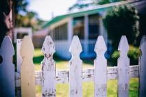 6 מקרים של סכסוכי שכנים שמחייבים עורך דין