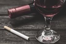 יין,סיגריה ואתה.