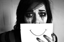 הדיכאון גורם לי לבכות