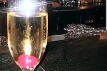 כוס יין ותהיות