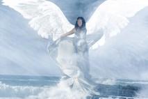 המלאך בים הכחול