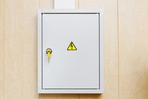 ציר לארון חשמל – דברים חשובים