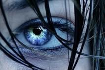 העיניים הכחולות