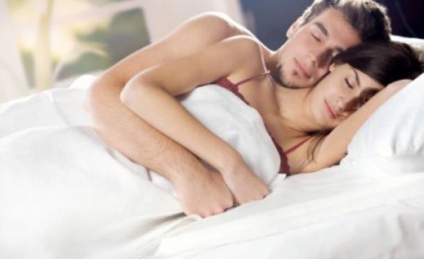birlikte uyuyan çiftler ile ilgili görsel sonucu