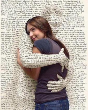 אהבה בכתב, חסרת שלד, חסרת תחושה.