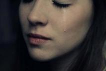 לנערה עם הלב השבור.