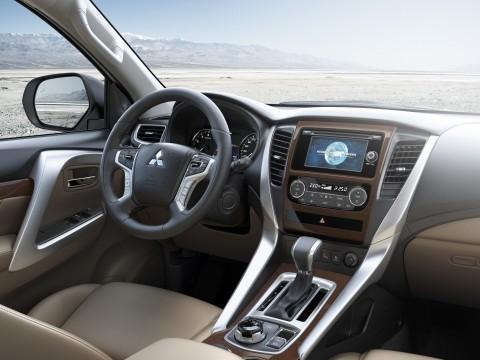 New Mitsubishi MONTERO GLS HL 2018 car in Saudi Arabia