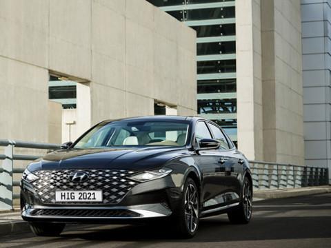 Hyundai Azera Premium 2021 Price & Specs   Motory Saudi Arabia