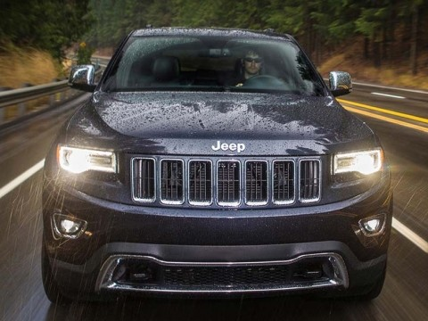jeep grand cherokee summit v8 2017 with prices motory. Black Bedroom Furniture Sets. Home Design Ideas