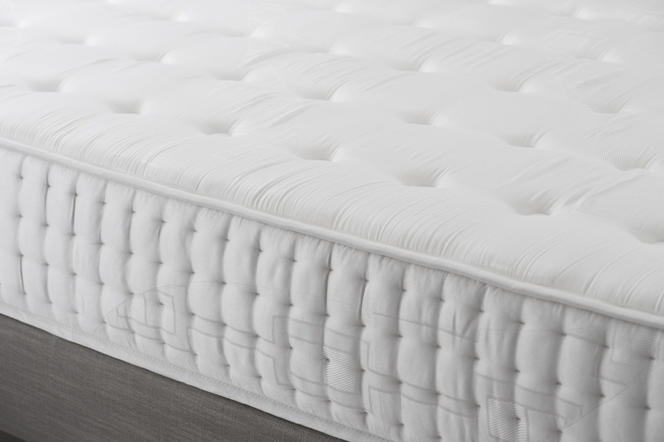 matelas mousse m moire de forme eminence made in france. Black Bedroom Furniture Sets. Home Design Ideas