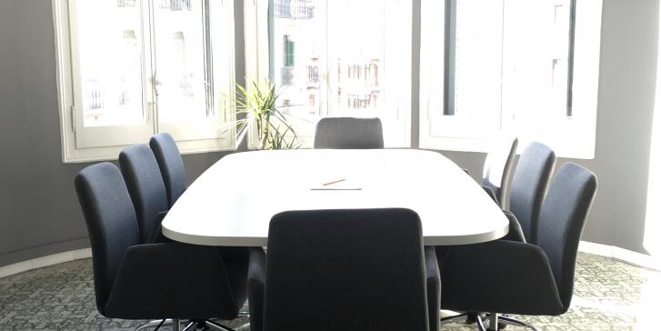 Sala de reuniones para 8 personas_image