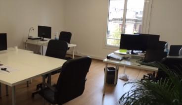 Mesa de trabajo en el centro de Barcelona / Workspace in Barcelona centre_img