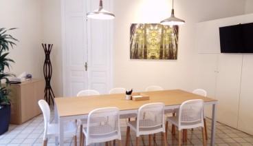 Espacio mediano en preciosa oficina de diseño  (zona Diagonal Paseo de Gracia, Barcelona)_img