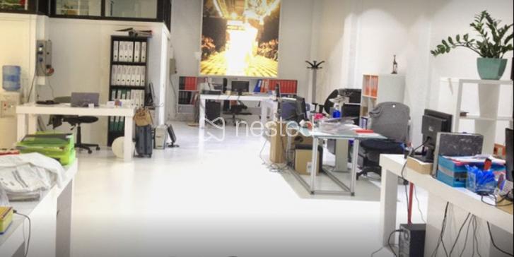 Mesa en local rehabilitado en la zona Viso_image