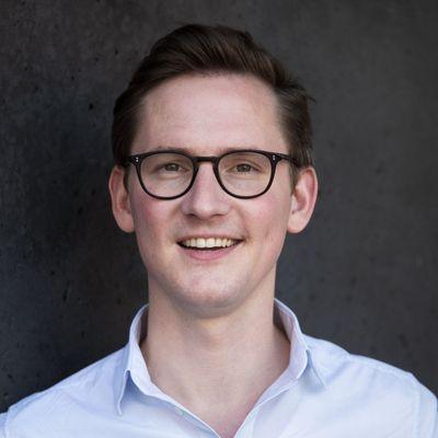 Person avatar: Julian Weselek