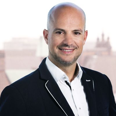 Person avatar: Sebastian Tschentscher