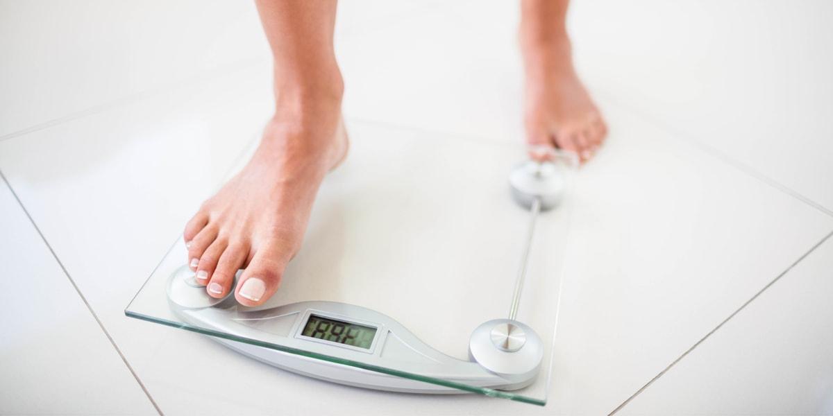 ¿Cuánto varía el peso en 24 horas?