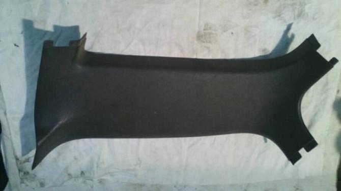 Накладка задней правой стойки GM 90230129 Опель Омега Универсал Вінниця - зображення 2