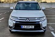 Mitsubishi Outlander 2016 – легенда дорог Київ
