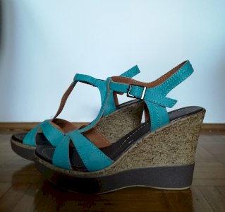 Tirkizne sandale