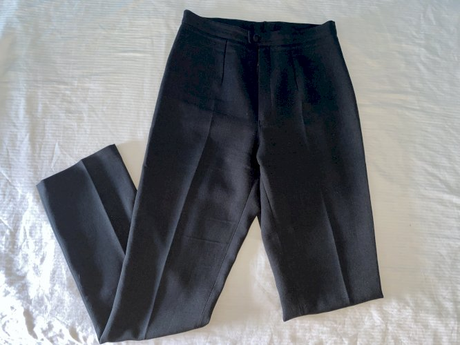 Poslovne hlače na crtu