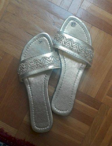 NOVO Papuče zlatne veličina 37