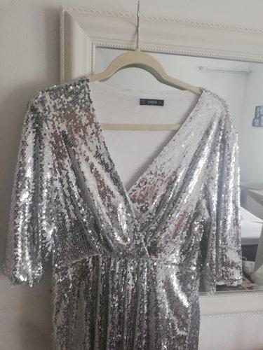 Srebrna šljokičasta haljina