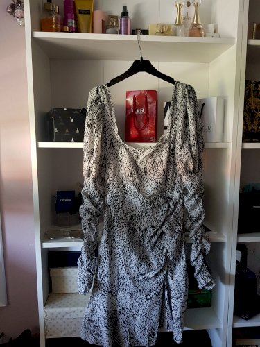Pretty little thing nova haljina s etiketom