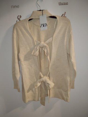 Pulover Zara s mašnama na leđima
