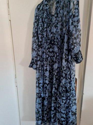 Reserved cvjetna haljina