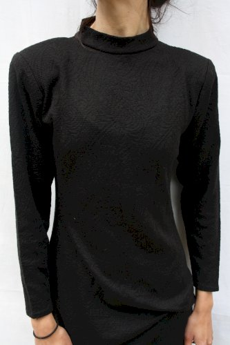 Haljina s naglašenim ramenima