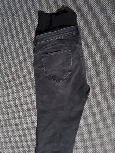HM hlače za trudnice