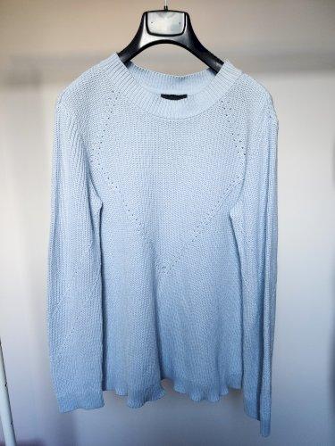 Plavi pleteni pulover