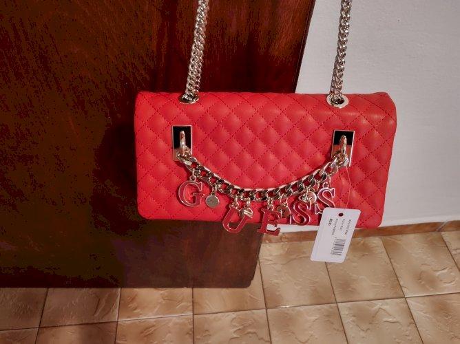 Crvena Guess poison torba original i novo