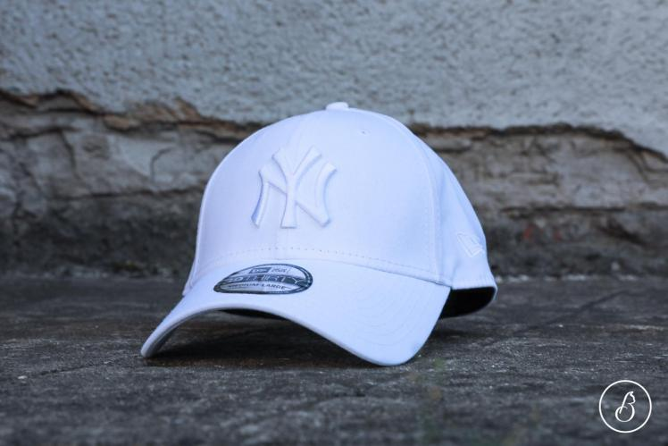 New Era Kšiltovka 3930 MLB League Essential NY White