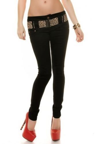 Černé úzké džíny s páskem