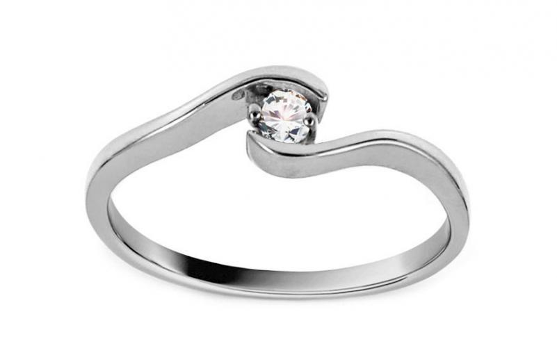 Krásný zásnubní prsten Magic 3 CSRI2084A