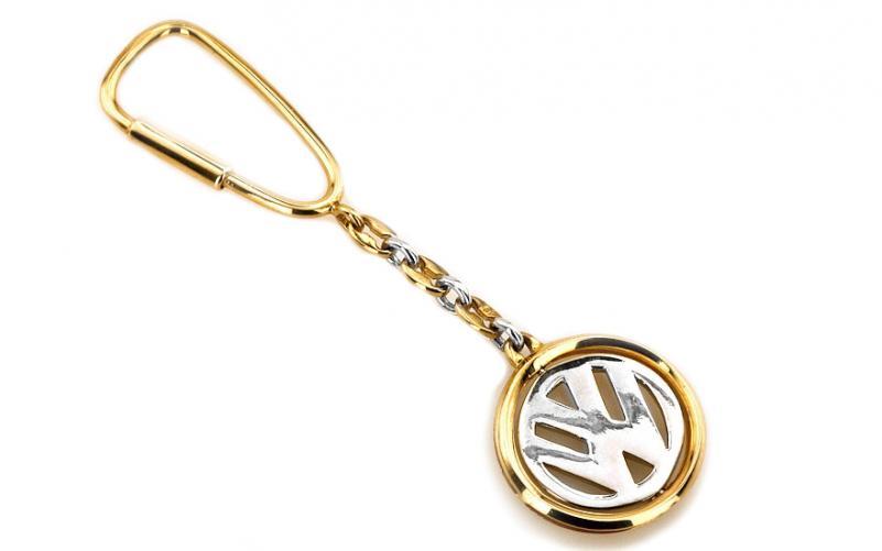 Zlatá klíčenka W volkswagen ze 14 K žlutého a bílého zlata IZ1036