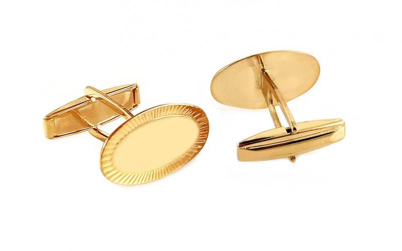 Zlaté manžetové knoflíčky oválné s gravírovanými okraji IZ11932