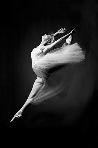 Posters Plakát, Obraz - Ballerina - grace in motion, (61 x 91,5 cm)
